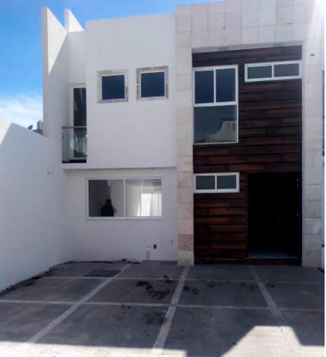 Foto Casa en condominio en Renta en  San Mateo Atenco ,  Edo. de México  RENTA DE CASA NUEVA EN SAN MATEO ATENCO
