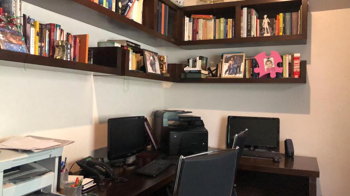 Foto Casa en Venta en  Portal del Huajuco,  Monterrey  CASA EN VENTA PORTAL DEL HUAJUCO, CARRETERA NACIONAL, MONTERREY N.L.