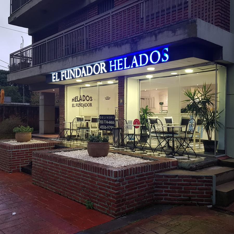 Foto Local en Alquiler en  S.Isi.-Vias/Libert.,  San Isidro  Av. del Libertador 2861