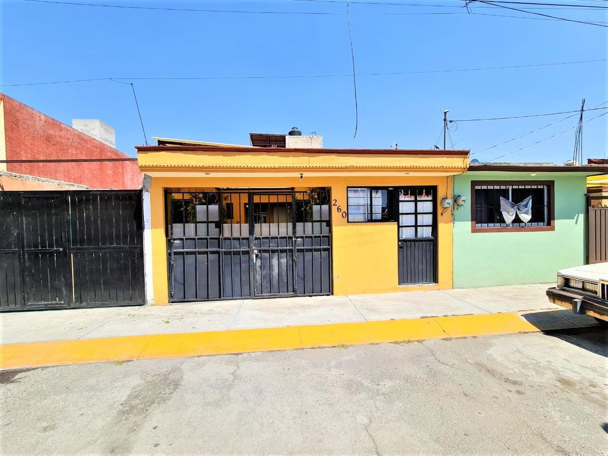 Foto Casa en Venta en  Paseos Santín,  Toluca  Casa en Venta en Paseos Santín II, Toluca.