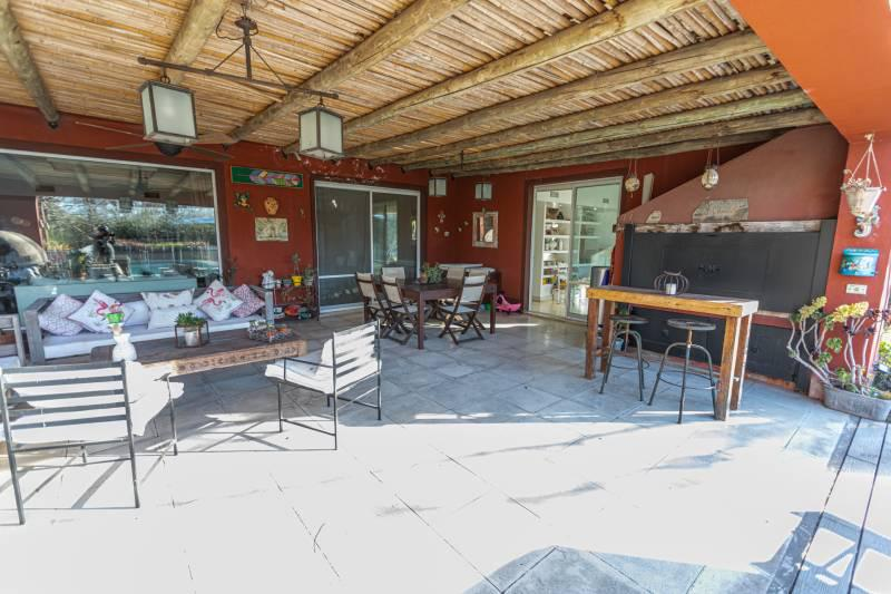 Foto Casa en Venta en  Bella Vista,  San Miguel  CASA EN VENTA BUENOS AIRES GOLF SOBRE LOTE DE 1538M2