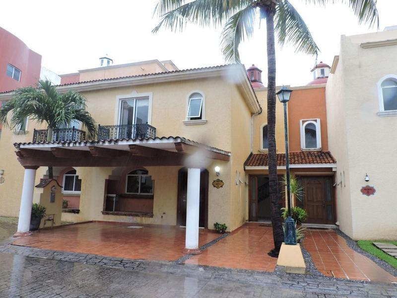 Martell Realty Casa En Condominio En Venta En Cancun Centro