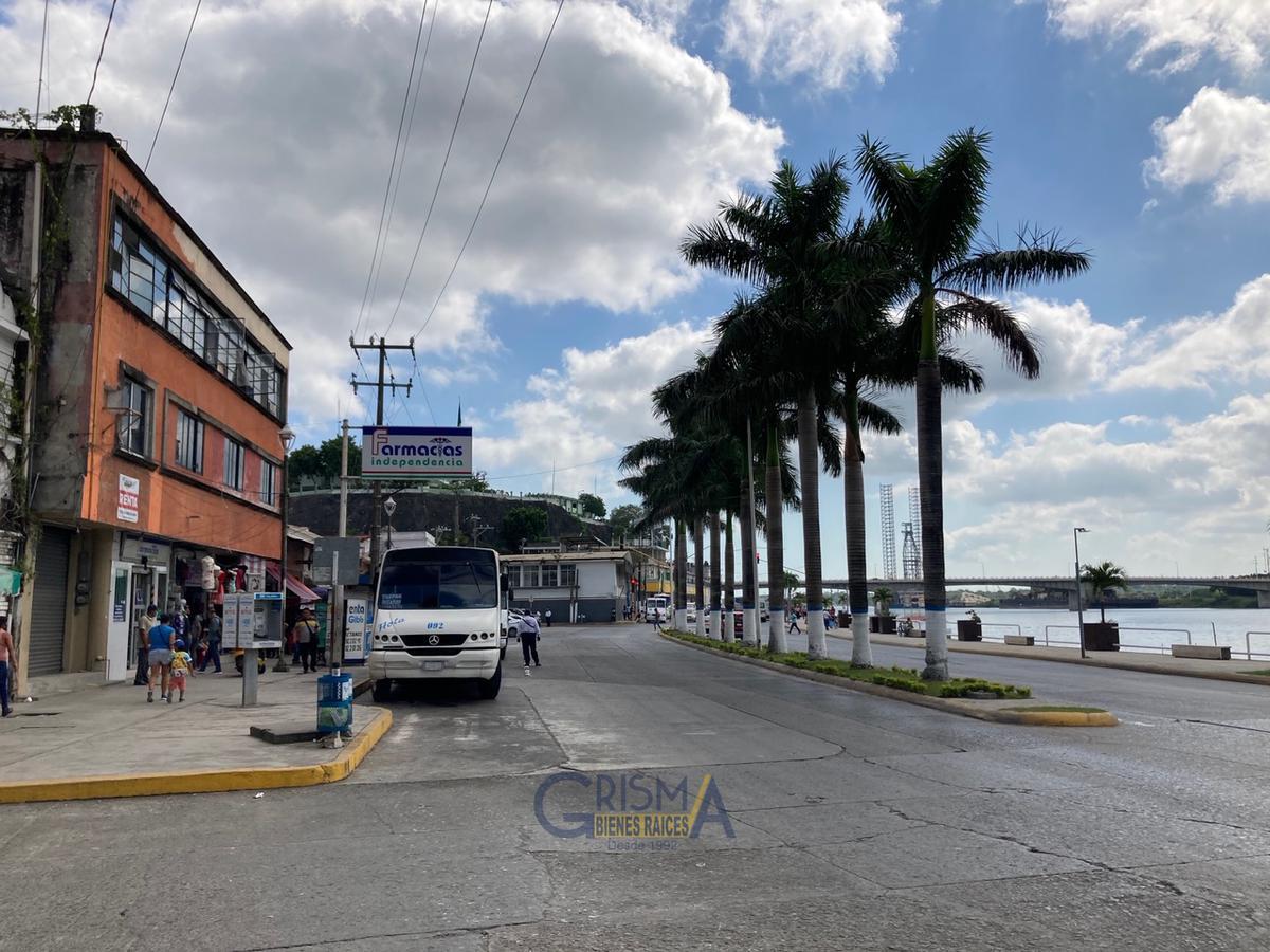 Foto Local en Renta en  Centro,  Tuxpan  LOCAL COMERCIAL SOBRE BOULEVARD INDEPENDENCIA
