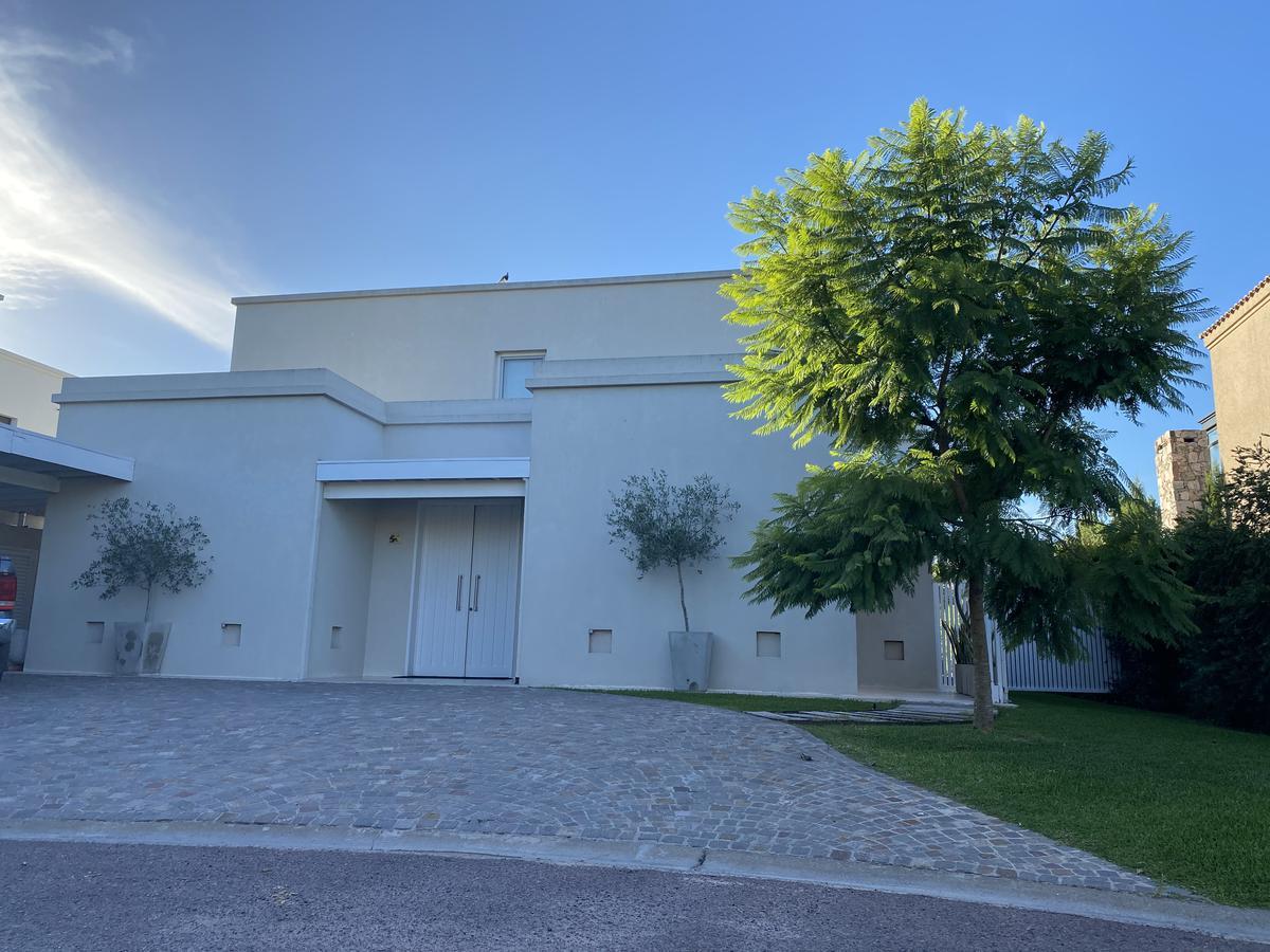 Foto Casa en Venta en  Las Liebres,  Countries/B.Cerrado (Pilar)  Las Liebres lote al 100