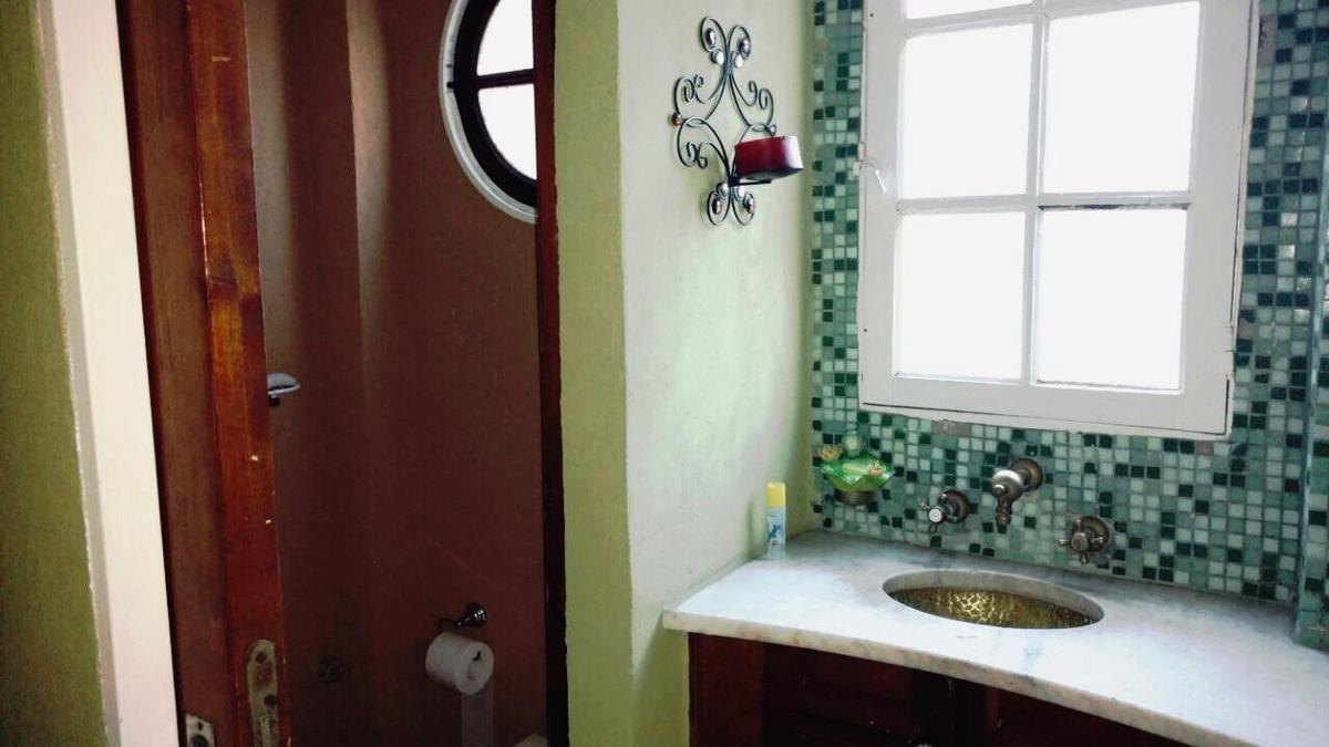 Foto Casa en Venta en  Banfield Oeste,  Banfield  13 de diciembre
