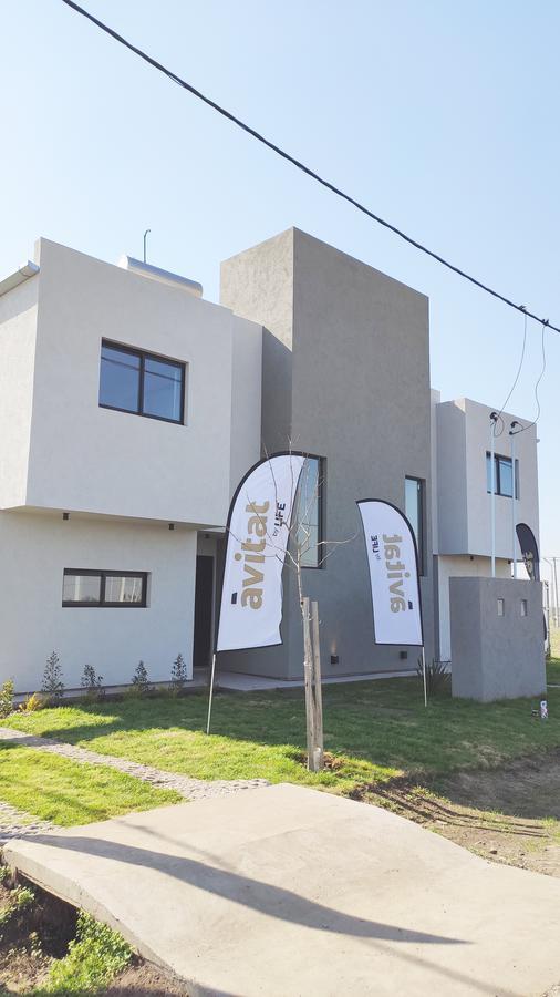 Foto Casa en Venta en  Rosario ,  Santa Fe  Estilo Meraki - Àvitat