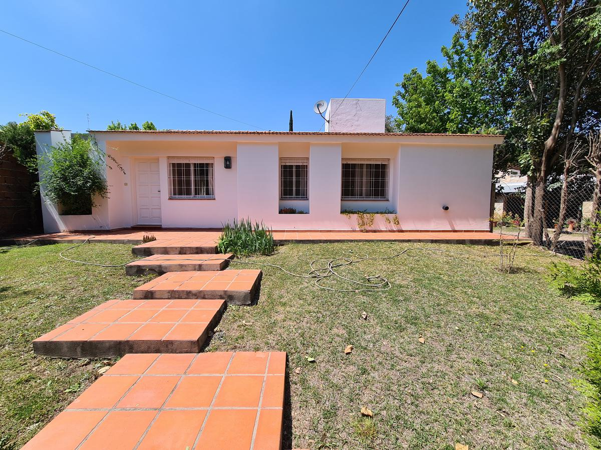 Foto Casa en Venta en  El Golf,  Alta Gracia  Casa de 3 Dormitorios en B° El Golf-Gran Parque