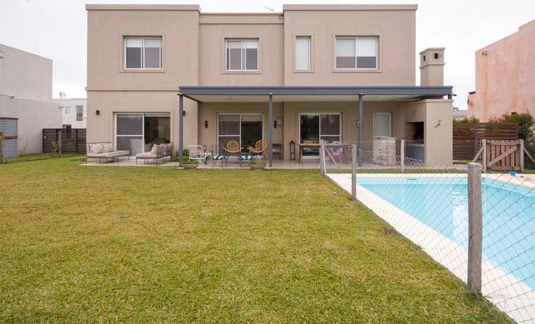 Foto Casa en Alquiler temporario en  Barbarita,  Countries/B.Cerrado (Tigre)  Marcos Paz  al 2800