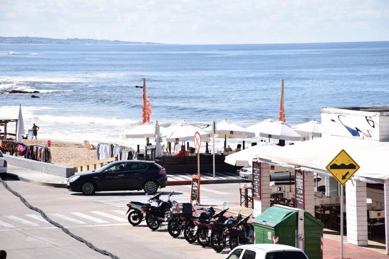Foto Departamento en Venta en  Península,  Punta del Este  Calle 26