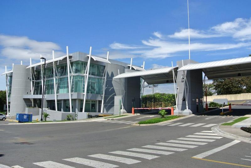 Foto Bodega Industrial en Renta en  Santana,  Santa Ana  Ofibodegas contemporáneas en Lindora desde $3.502