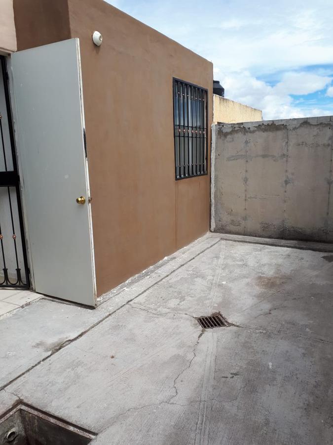 Foto Casa en Venta en  Conjunto habitacional Mision del Valle,  Morelia  MISION DEL VALLE CALLE: ANDRES CAVO # 38