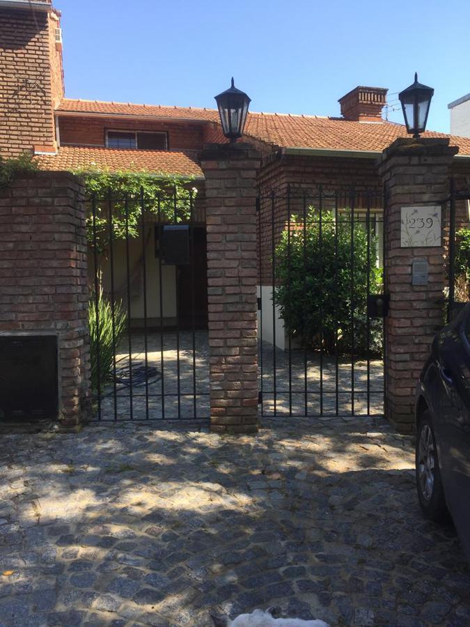 Foto Casa en Venta en  Punta Chica,  San Fernando  Ambrosoni al 200