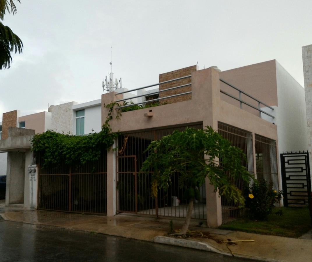 Foto Casa en Renta en  Solidaridad ,  Quintana Roo  Casa en RENTA, 3 recámaras, 1 estudio en Marsella 2