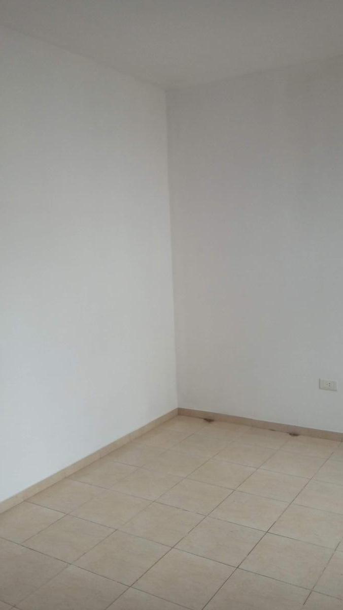 Foto Casa en Venta en  Centro America,  Cordoba  Enrique Martines Paz al 200