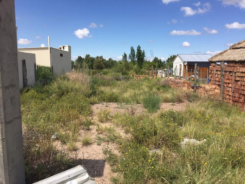 Foto Terreno en Venta en  Alvarez Condarco,  Lujan De Cuyo  Condominio semi privado - frente al Desert