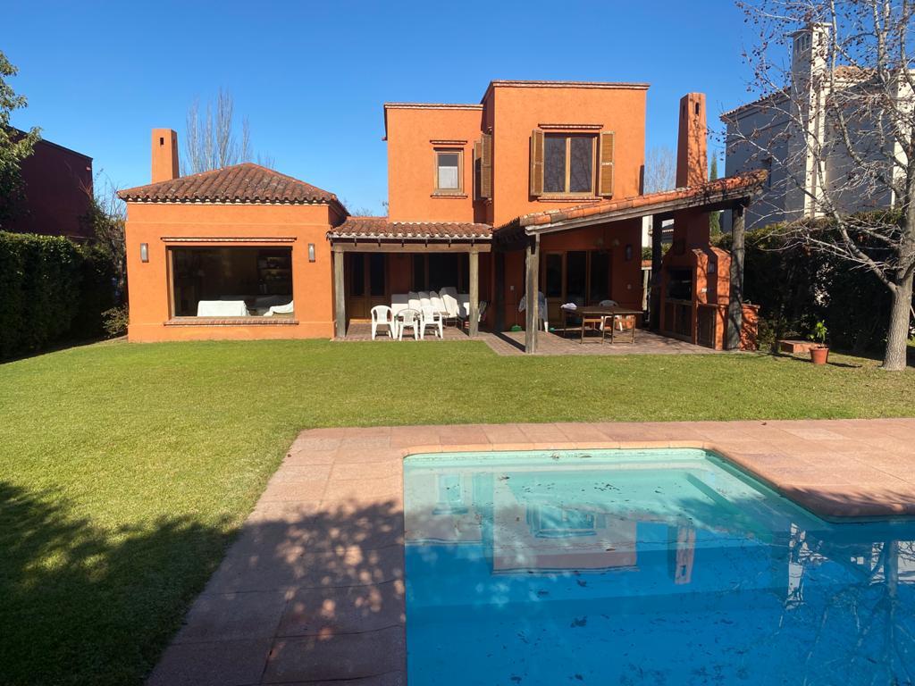 Foto Casa en Alquiler temporario en  Santa Barbara,  Countries/B.Cerrado (Tigre)  Santa Bárbara 2270 - Enero y/o Febrero