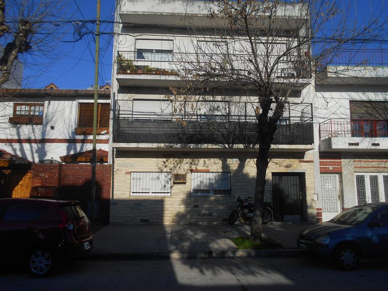 Foto PH en Alquiler en  Liniers ,  Capital Federal  Caaguazu al 7000