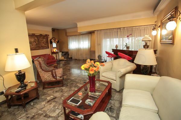 Foto Casa en Venta en  S.Cristobal ,  Capital Federal  24 Noviembre al 1100