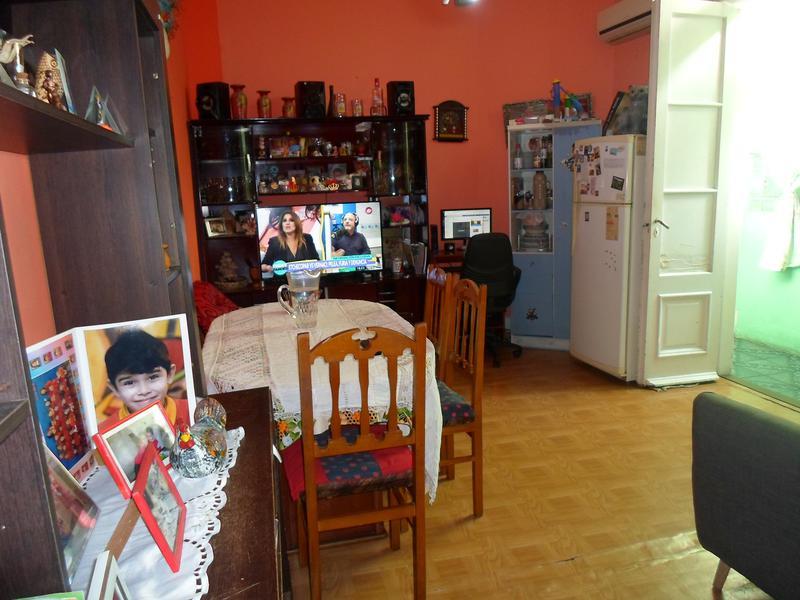 Foto Departamento en Venta en  Monserrat,  Centro  Moreno al 1100