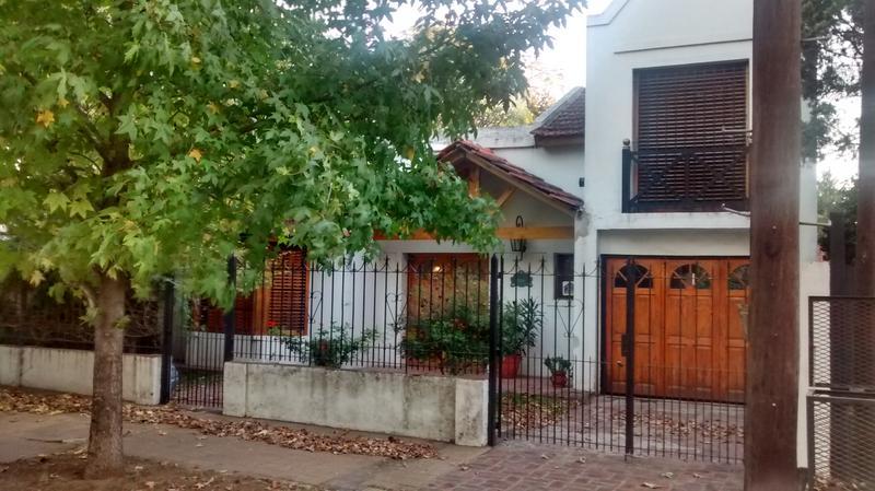 Foto Casa en Venta en  Monte Grande,  Esteban Echeverria  Chimondegui al 800