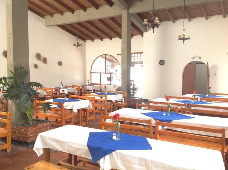Foto Local en Venta en  Mitad del Mundo,  Quito  Unasur