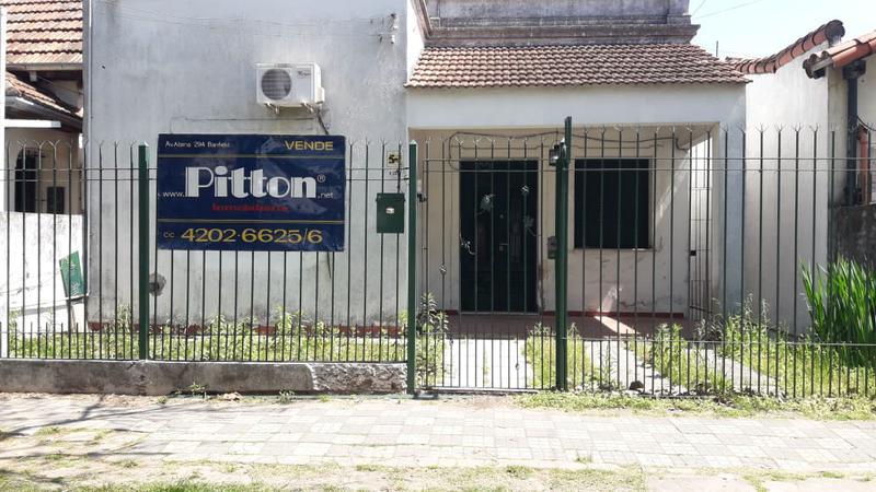 Foto Casa en Venta |  en  Banfield Este,  Banfield  Quintana 392