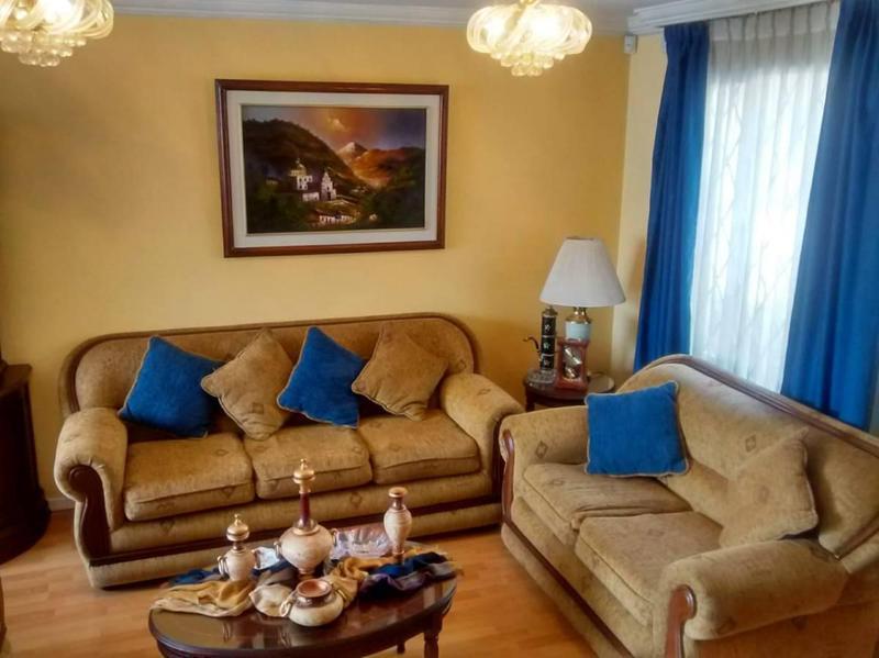 Foto Casa en Venta en  Ponceano,  Quito  PONCEANO ALTO