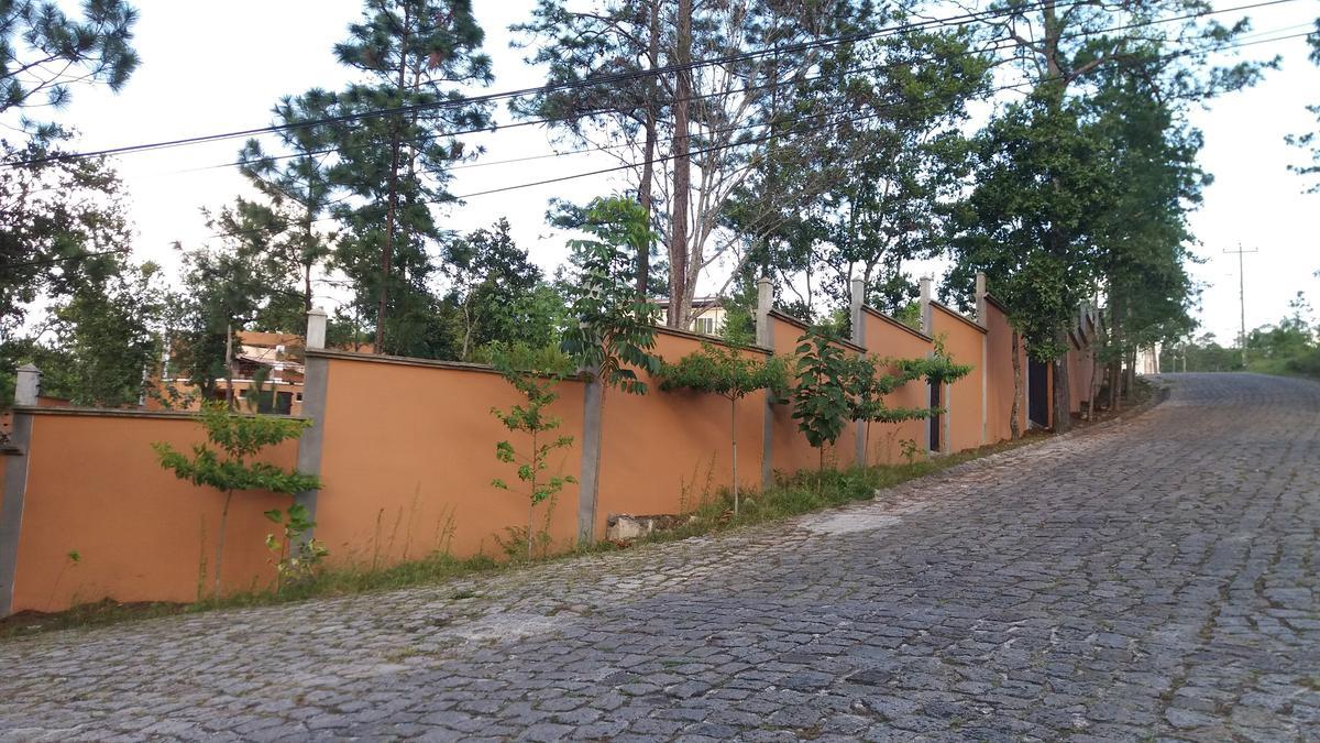 Foto Terreno en Venta en  Miralago,  Tegucigalpa  Terreno en Venta en El Hatillo