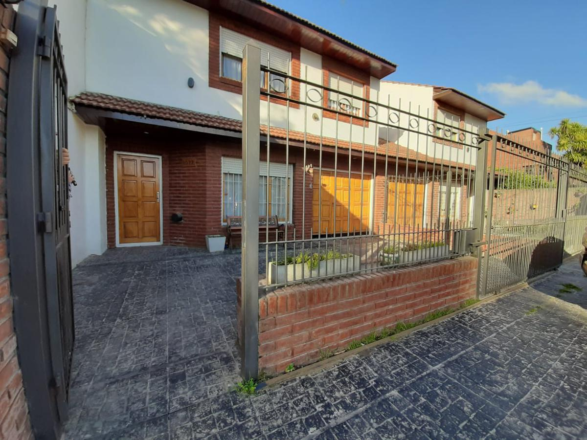 Foto Casa en Venta en  Mar Del Plata ,  Costa Atlantica  Valencia al 8000