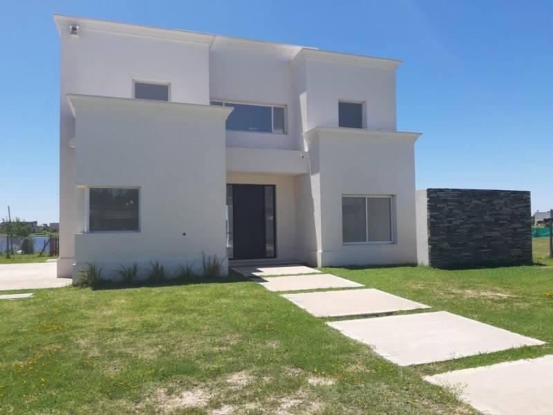 Foto Casa en Venta en  San Gabriel,  Villanueva  Excelente propiedad a estrenar con vista a la laguna. 5 ambientes. Muy luminoso. Tigre