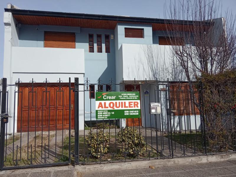 Foto Casa en Alquiler en  Capital ,  Neuquen  ALDERETE  al 1300