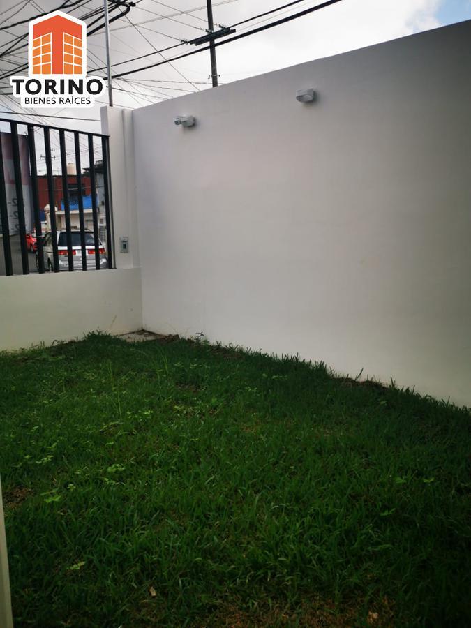 Foto Casa en Venta en  Mártires de Chicago,  Xalapa  ESTRENA CASA A UNA CUADRA DE AV. REBSAMEN AMPLIA Y BUEN UBICADA