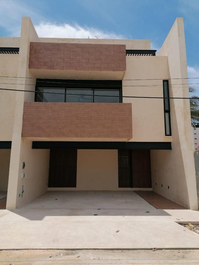 Foto Departamento en Renta en  Fraccionamiento Gonzalo Guerrero,  Mérida  Amplios townhouse en esquina en zona céntrica del norte de Mérida.