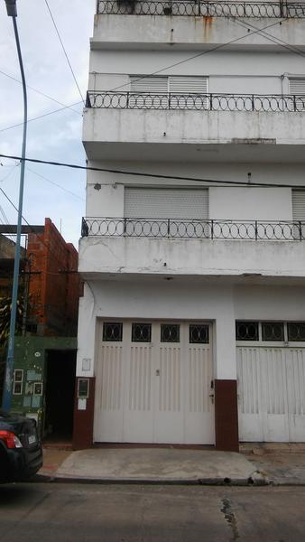 Foto PH en Venta en  Valentin Alsina,  Lanus  Acevedo al 1000