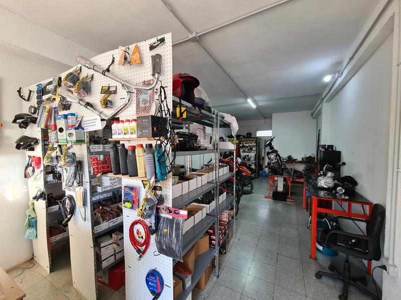Foto Local en Venta en  Alta Gracia,  Santa Maria  Tres locales en venta - Av Hipólito Yrigoyen