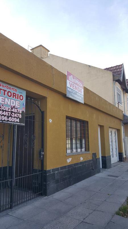 Foto Casa en Venta en  Moron Sur,  Moron  Humauca 1937. Moron