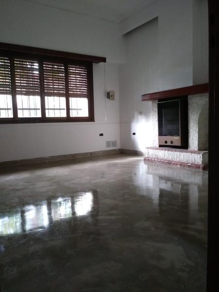 Foto Casa en Alquiler en  Capital ,  Neuquen  ENTRE RIOS 34