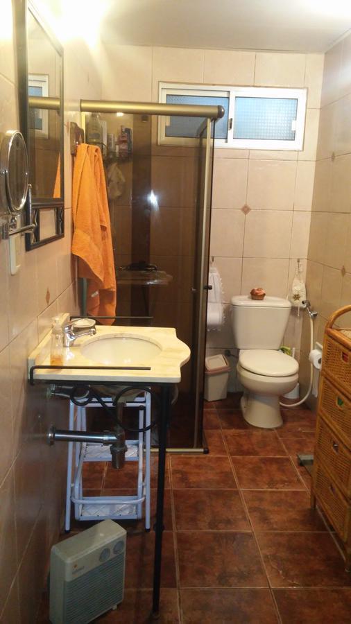 Foto Casa en Venta en  La Teja ,  Montevideo  Emilio Romero - 2 dorm, gge, parrillero