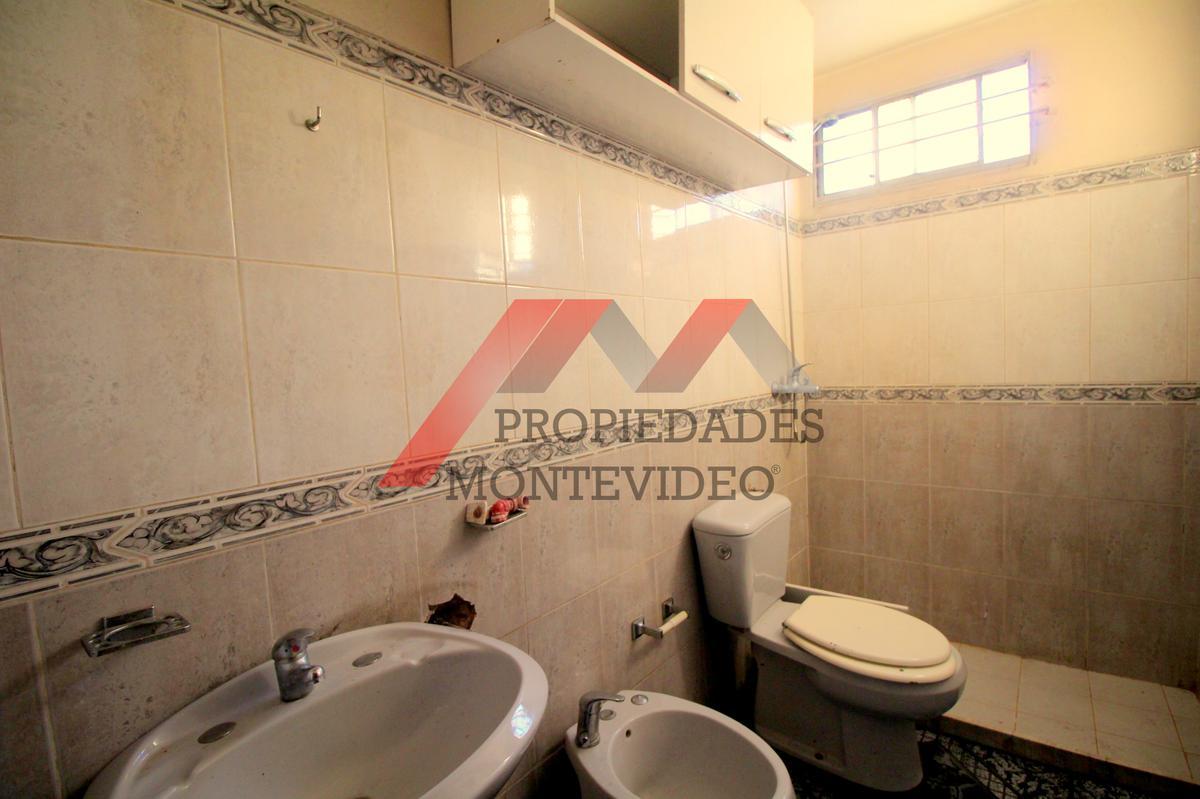 Foto Casa en Venta en  Unión ,  Montevideo  Union - Comercio al 2600
