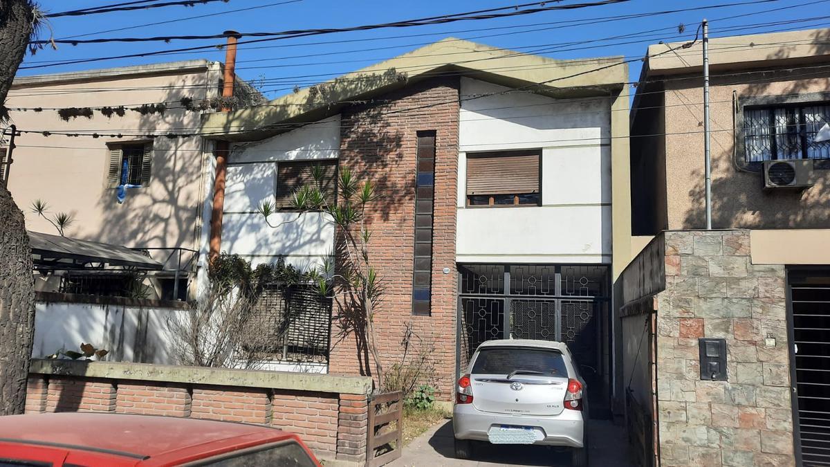Foto Casa en Venta en  San Miguel De Tucumán,  Capital  Av Mate de Luna  al 1500