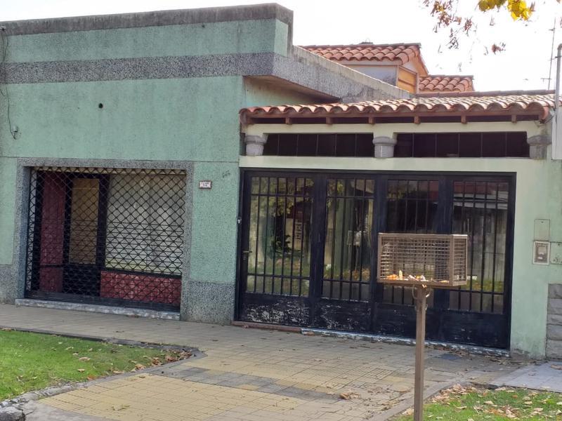 Foto Casa en Venta en  Temperley Este,  Temperley  Luis Saenz Peña al 718
