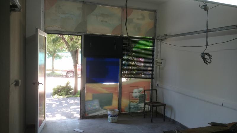 Foto Local en Alquiler en  Ituzaingó ,  G.B.A. Zona Oeste  Lavalle al 900