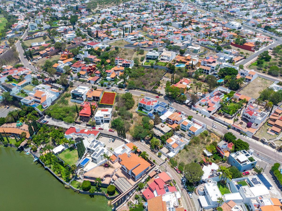 Foto Terreno en Venta en  Juriquilla,  Querétaro  Terreno con vista al Club Náutico Juriquilla