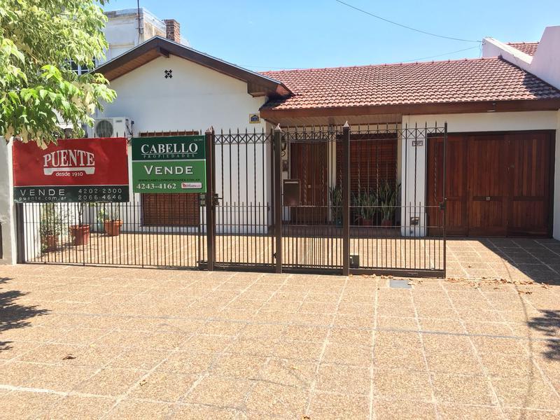 Foto Casa en Venta en  Lomas de Zamora Oeste,  Lomas De Zamora  SAAVEDRA al 800