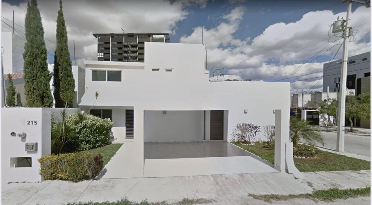 Foto Casa en Venta en  Mérida ,  Yucatán  Rento/Vendo  bella casa en Montes de Ame
