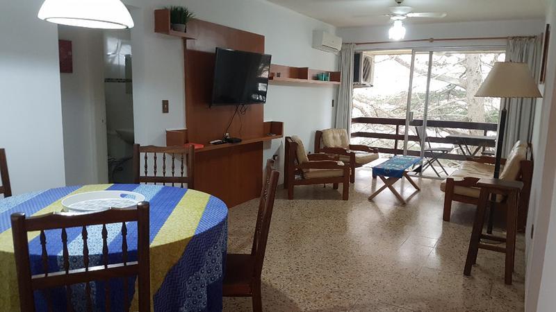 Foto Apartamento en Alquiler temporario en  Cantegril,  Punta del Este  Complejo Arcobaleno. Edificio Pharos