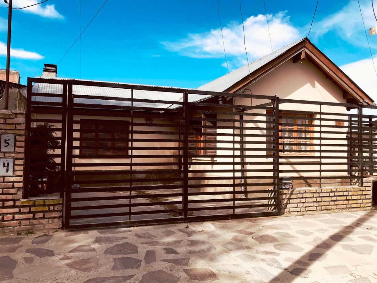 Foto Casa en Venta |  en  Esquel,  Futaleufu  Brun