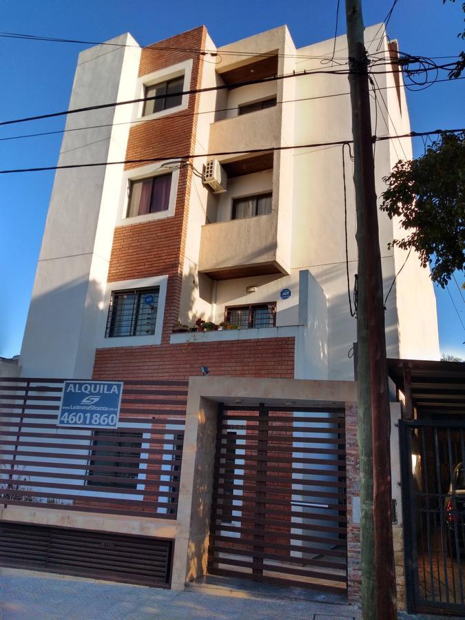 Foto Departamento en Alquiler en  Juniors,  Cordoba  ALEJANDRO CARBO al 1500