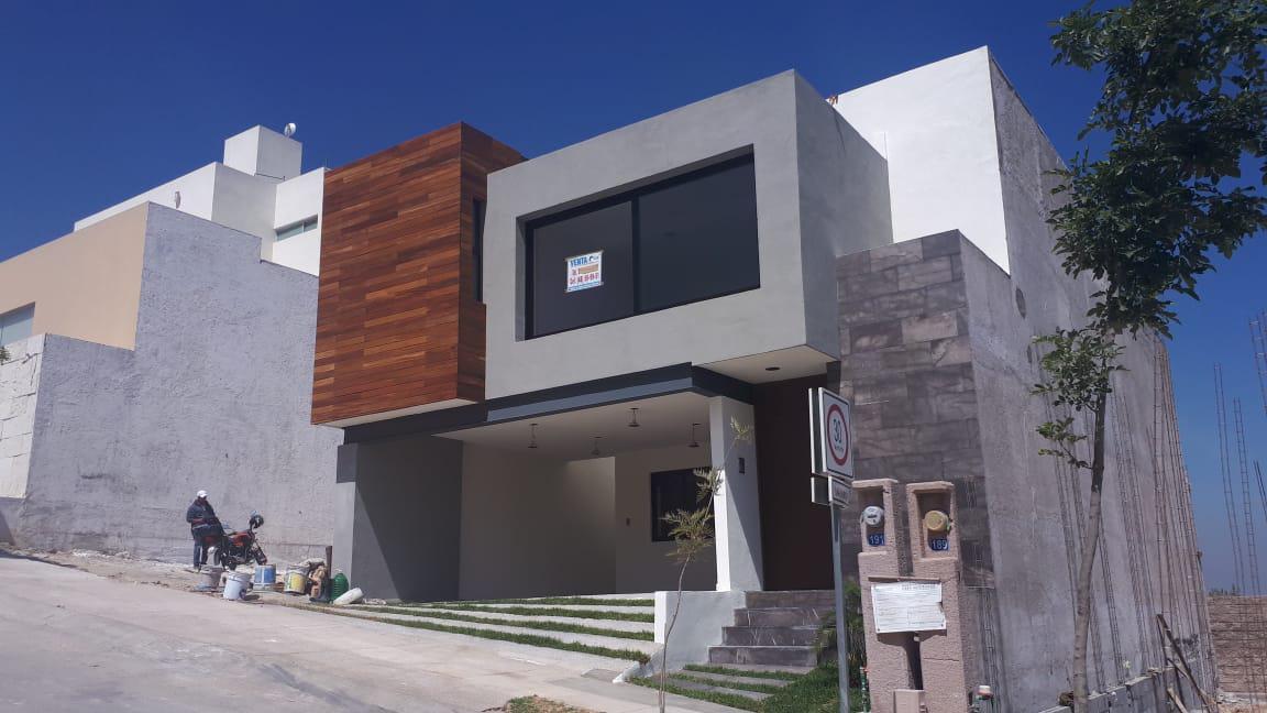 Foto Casa en Venta en  Monterra,  San Luis Potosí  ESTRENA CASA EN FRACC. MONTERRA
