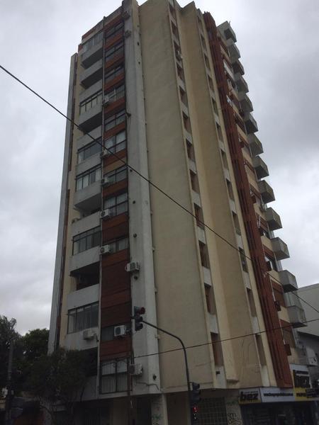 Foto Departamento en Venta en  La Lucila,  Olivos  Bouchard al 1300